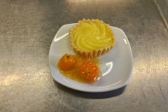 Vanille-Tartelette an Kumquats-Ragout